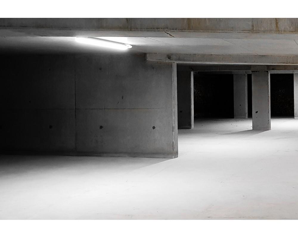 Mise en situation du luminaire étanche Hydraled 60W dans un parking